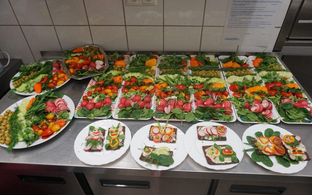 28.10.2019 – Przedszkolaki przygotowały cudowne kanapkowe smakołyki. Rozwijamy kreatywność ipopularyzujemy warzywne przysmaki.