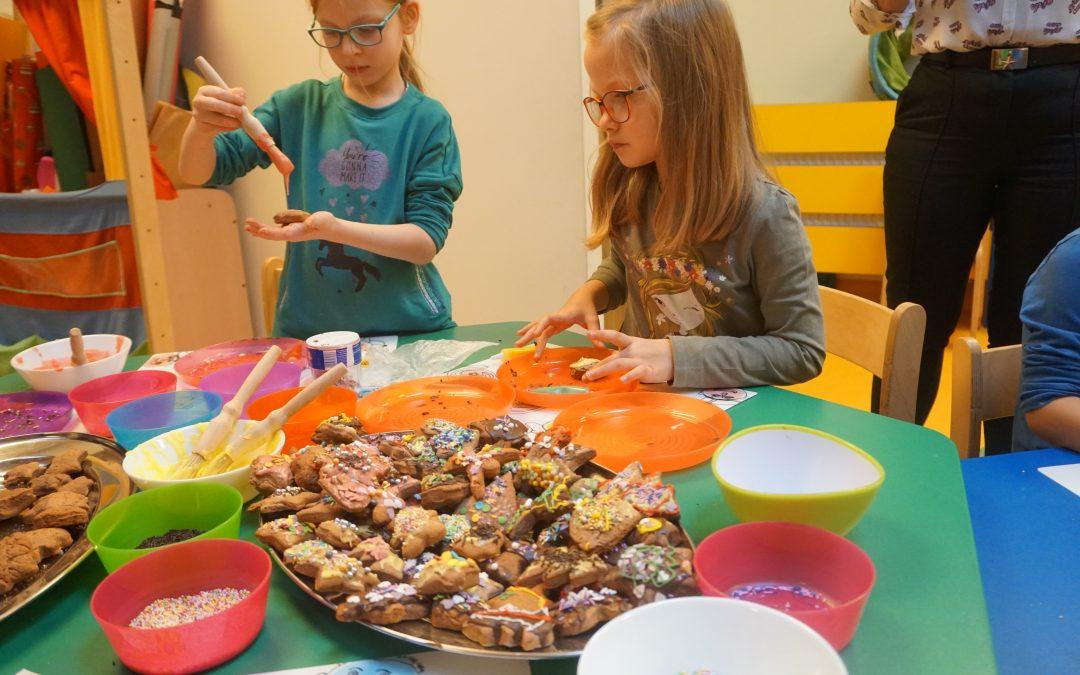 10 – 12.12.2019 – Wypiekaliśmy izdobiliśmy świąteczne ciasteczka.